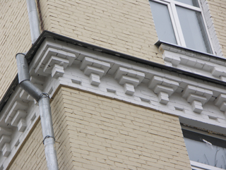Архитектурный пояс, Кирпичная архитектура, фотографии кирпичрых домов. Архитектор Антон Булатецкий
