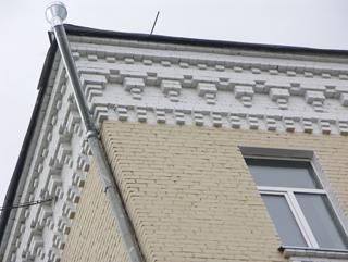 Венчающий карниз, Кирпичная архитектура, фотографии кирпичрых домов. Архитектор Антон Булатецкий