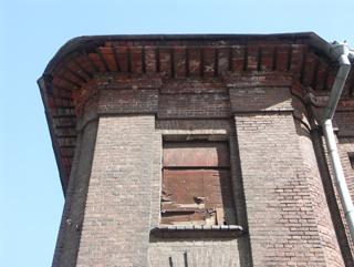 Лишняя лестница, Кирпичная архитектура, фотографии кирпичрых домов. Архитектор Антон Булатецкий