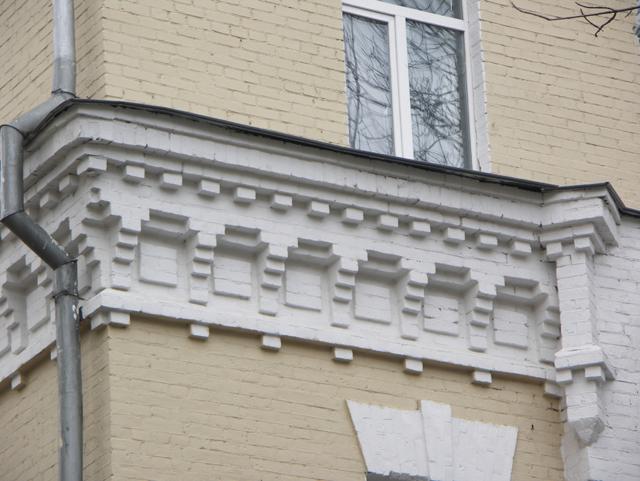 Средний карниз. Кирпичная архитектура, фотографии кирпичрых домов. Архитектор Антон Булатецкий