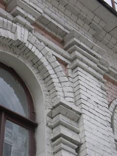 Кирпичный архивольт с кирпичным импостом, классическая ордерная система в кирпиче, Фотографии кирпичных домов, примеры античных - классических архитектурных форм. Архитектор Антон Булатецкий