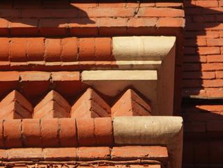 Элемент кирпичного рисунка фасада, Фотографии кирпичных домов, примеры античных - классических архитектурных форм. Архитектор Антон Булатецкий