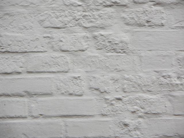 Побеленная кирпичная стена. Фактуры кирпичных стен, фотографии. Архитектор Антон Булатецкий