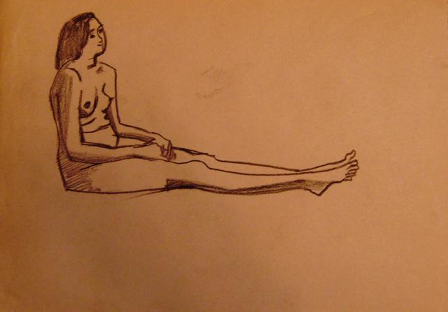 Сидящая со сложенными руками. Старые наброски. Художник Алиса Зражевская